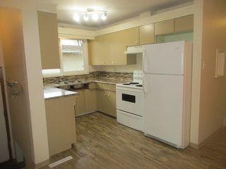 Photo 2: 7242 83 Avenue in Edmonton: House Duplex for rent