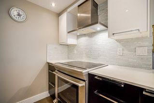"""Photo 8: 303 212 DAVIE Street in Vancouver: Yaletown Condo for sale in """"Parkview Gardens"""" (Vancouver West)  : MLS®# R2528495"""