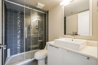 """Photo 11: 303 212 DAVIE Street in Vancouver: Yaletown Condo for sale in """"Parkview Gardens"""" (Vancouver West)  : MLS®# R2528495"""