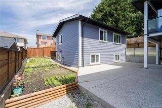 Photo 33: 656 Kenneth St in : SW Glanford House for sale (Saanich West)  : MLS®# 862943