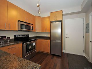 Photo 10: 102 21 Conard St in : VR Hospital Condo Apartment for sale (View Royal)  : MLS®# 587833