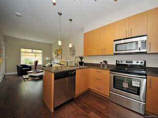 Photo 8: 102 21 Conard St in : VR Hospital Condo Apartment for sale (View Royal)  : MLS®# 587833