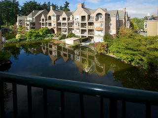 "Photo 1: 402 1363 56TH Street in Tsawwassen: Cliff Drive Condo for sale in ""WINDSOR WOODS"" : MLS®# V1088690"