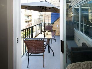 "Photo 15: 402 1363 56TH Street in Tsawwassen: Cliff Drive Condo for sale in ""WINDSOR WOODS"" : MLS®# V1088690"