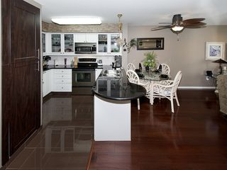 "Photo 3: 402 1363 56TH Street in Tsawwassen: Cliff Drive Condo for sale in ""WINDSOR WOODS"" : MLS®# V1088690"