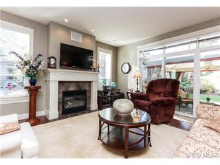 Photo 4: 35 551 Bezanton Way in VICTORIA: Co Latoria Row/Townhouse for sale (Colwood)  : MLS®# 686348