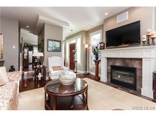 Photo 5: 35 551 Bezanton Way in VICTORIA: Co Latoria Row/Townhouse for sale (Colwood)  : MLS®# 686348
