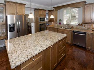 "Photo 11: 5303 SPETIFORE Crescent in Tsawwassen: Tsawwassen Central House for sale in ""SPETIFORE CRESCENT"" : MLS®# V1093403"
