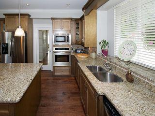 "Photo 13: 5303 SPETIFORE Crescent in Tsawwassen: Tsawwassen Central House for sale in ""SPETIFORE CRESCENT"" : MLS®# V1093403"