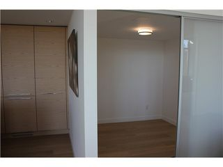 "Photo 6: 901 5782 BERTON Avenue in Vancouver: University VW Condo for sale in ""Sage"" (Vancouver West)  : MLS®# V1098652"