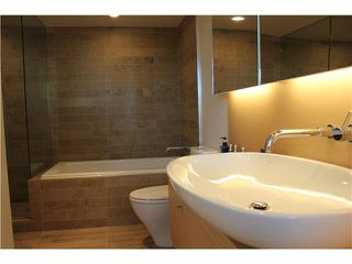 "Photo 5: 901 5782 BERTON Avenue in Vancouver: University VW Condo for sale in ""Sage"" (Vancouver West)  : MLS®# V1098652"