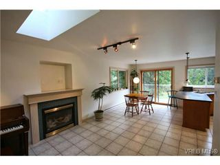 Photo 2: 380 Wray Avenue in VICTORIA: SW West Saanich Single Family Detached for sale (Saanich West)  : MLS®# 345994
