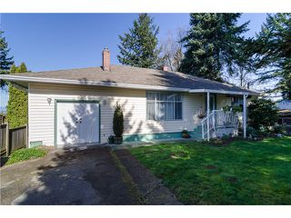 """Photo 3: 16379 28 Avenue in Surrey: Grandview Surrey House for sale in """"North Grandview"""" (South Surrey White Rock)  : MLS®# F1433774"""