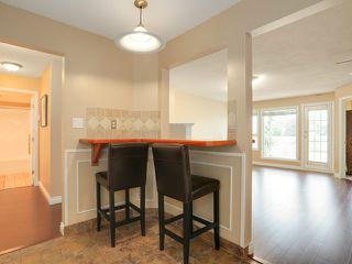 """Photo 6: 203 17740 58A Avenue in Surrey: Cloverdale BC Condo for sale in """"DERBY DOWNS"""" (Cloverdale)  : MLS®# F1442364"""