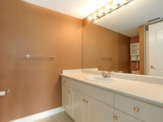 """Photo 12: 203 17740 58A Avenue in Surrey: Cloverdale BC Condo for sale in """"DERBY DOWNS"""" (Cloverdale)  : MLS®# F1442364"""