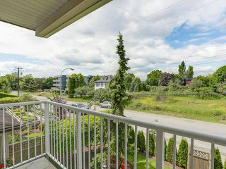 """Photo 15: 203 17740 58A Avenue in Surrey: Cloverdale BC Condo for sale in """"DERBY DOWNS"""" (Cloverdale)  : MLS®# F1442364"""