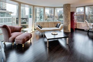 """Photo 1: 909 1500 HORNBY Street in Vancouver: Yaletown Condo for sale in """"888 BEACH"""" (Vancouver West)  : MLS®# R2020455"""