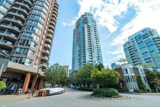"""Photo 2: 909 1500 HORNBY Street in Vancouver: Yaletown Condo for sale in """"888 BEACH"""" (Vancouver West)  : MLS®# R2020455"""