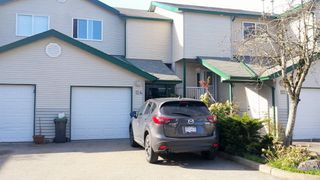 "Photo 1: 124 39920 GOVERNMENT Road in Squamish: Garibaldi Estates Townhouse for sale in ""SHANNON ESTATES"" : MLS®# R2050698"