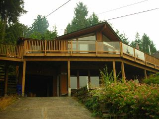 Main Photo: 5887 SANDY HOOK Road in Sechelt: Sechelt District House for sale (Sunshine Coast)  : MLS®# R2087513