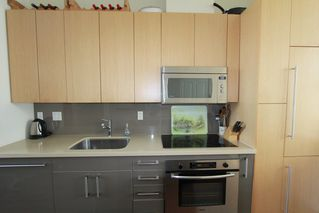 Photo 7: 330 1st Ave in False Creek (near the Olympic Village): Home for sale