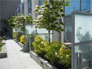 Photo 22: 330 1st Ave in False Creek (near the Olympic Village): Home for sale
