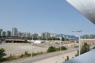 Photo 17: 330 1st Ave in False Creek (near the Olympic Village): Home for sale