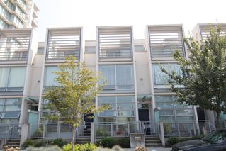 Photo 1: 330 1st Ave in False Creek (near the Olympic Village): Home for sale