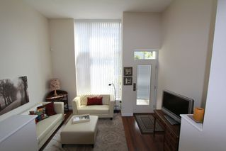 Photo 8: 330 1st Ave in False Creek (near the Olympic Village): Home for sale