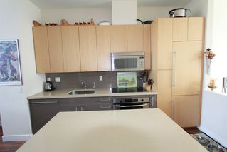 Photo 6: 330 1st Ave in False Creek (near the Olympic Village): Home for sale