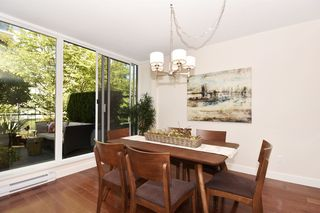 """Photo 5: 1429 W 7TH Avenue in Vancouver: Fairview VW Townhouse for sale in """"SIENNA TOWNHOMES"""" (Vancouver West)  : MLS®# R2104085"""