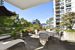 """Photo 15: 1429 W 7TH Avenue in Vancouver: Fairview VW Townhouse for sale in """"SIENNA TOWNHOMES"""" (Vancouver West)  : MLS®# R2104085"""