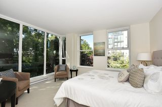 """Photo 11: 1429 W 7TH Avenue in Vancouver: Fairview VW Townhouse for sale in """"SIENNA TOWNHOMES"""" (Vancouver West)  : MLS®# R2104085"""