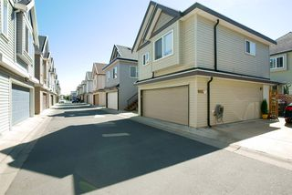 Photo 4: 19469 71A Avenue in Surrey: Clayton House for sale (Cloverdale)  : MLS®# R2104139