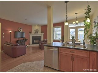 Photo 3: 4017 South Valley Dr in VICTORIA: SW Strawberry Vale House for sale (Saanich West)  : MLS®# 753226