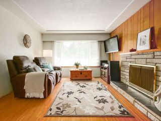 Photo 4: 4327 ATLIN Street in Vancouver: Renfrew Heights House for sale (Vancouver East)  : MLS®# R2183970