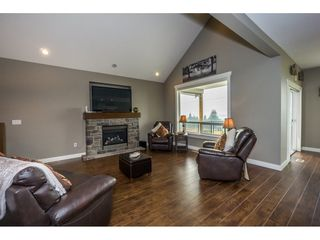 Photo 3: 51113 SOPHIE Crescent in Chilliwack: Eastern Hillsides House for sale : MLS®# R2194346