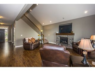 Photo 4: 51113 SOPHIE Crescent in Chilliwack: Eastern Hillsides House for sale : MLS®# R2194346