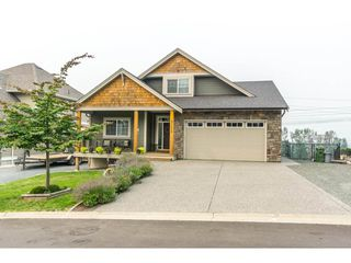 Photo 1: 51113 SOPHIE Crescent in Chilliwack: Eastern Hillsides House for sale : MLS®# R2194346