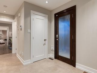Photo 4: 4412 CORONATION Drive SW in Calgary: Britannia House for sale : MLS®# C4132058