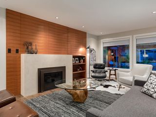 Photo 7: 4412 CORONATION Drive SW in Calgary: Britannia House for sale : MLS®# C4132058
