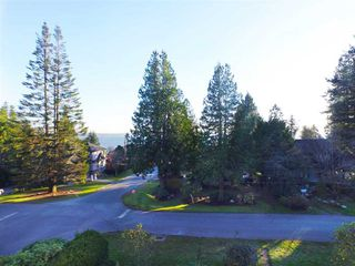 Photo 2: 13093 14 AVENUE in South Surrey White Rock: Home for sale : MLS®# R2016690