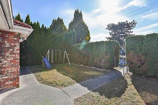 Photo 2: 2981 E 1ST Avenue in Vancouver: Renfrew VE House for sale (Vancouver East)  : MLS®# R2212764