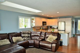 Photo 5: 2034 Solent St in SOOKE: Sk Sooke Vill Core Half Duplex for sale (Sooke)  : MLS®# 775277