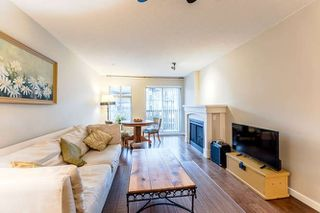 """Photo 3: 401 2998 SILVER SPRINGS Boulevard in Coquitlam: Westwood Plateau Condo for sale in """"Trillium"""" : MLS®# R2226948"""