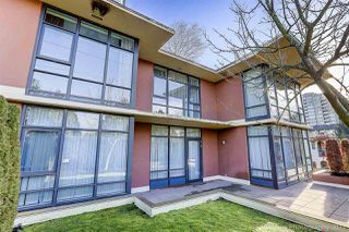 """Photo 2: 9 9171 FERNDALE Road in Richmond: McLennan North Townhouse for sale in """"Fullerton"""" : MLS®# R2231412"""
