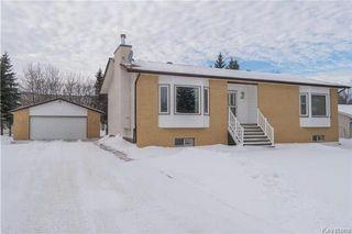 Photo 1: 105 Oakbank Drive: Oakbank Residential for sale (R04)  : MLS®# 1801130