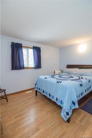 Photo 10: 105 Oakbank Drive: Oakbank Residential for sale (R04)  : MLS®# 1801130