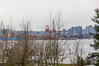 "Photo 10: 204 255 W 1ST Street in North Vancouver: Lower Lonsdale Condo for sale in ""West Quay"" : MLS®# R2242663"