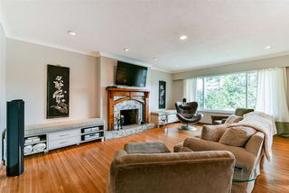 Photo 3: 3353 VIEWMOUNT Place in Port Moody: Port Moody Centre House for sale : MLS®# R2251876